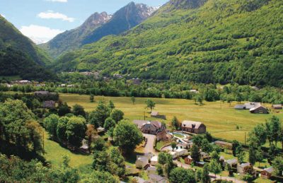 Airotel Pyrenees Setting