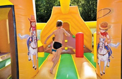 Camping Domaine de Chalain Bouncy Castle