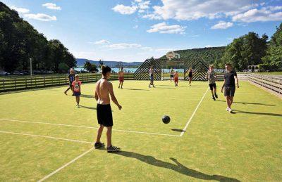 Camping Domaine de Chalain Sports Court