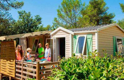 Camping Domaine de la Sainte Baume Accommodation Terrace