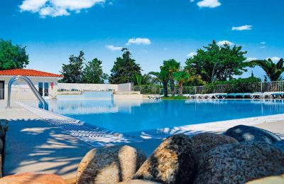 Camping Fontaines Swimming Pool