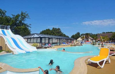 Camping La Touesse Pool Loungers