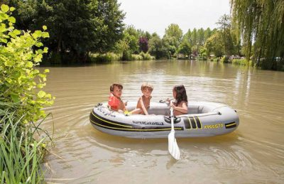 Camping le Moulin de la Pique Dinghy Lake