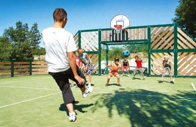 Camping le Petit Bois Sports Facilities