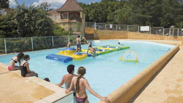 Camping Le Val d'Ussel ***
