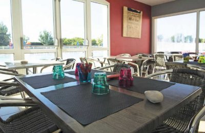 Camping Les Ilates Restaurant Seating