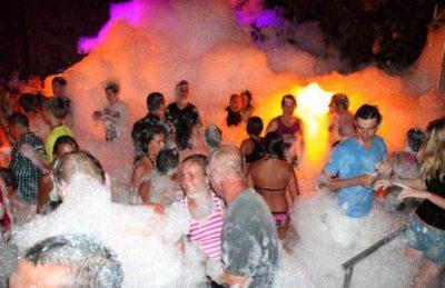 Campsite le Clos Virgile Foam Party