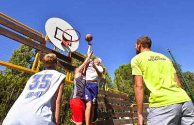 Campsite Le Plein Air de Chenes Sports Facilities