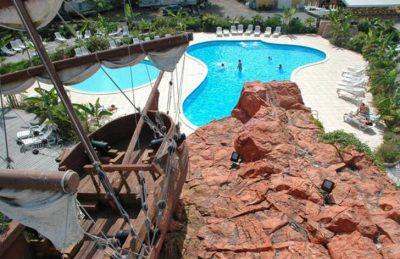Campsite le Village Corsaire des Deux Plages Pool Ship