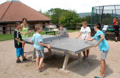 Campsite Village des Meuniers Table Tennis