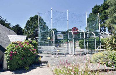 Des Menhirs Sports Court
