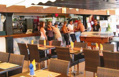 Douce Quietude Bar Restaurant