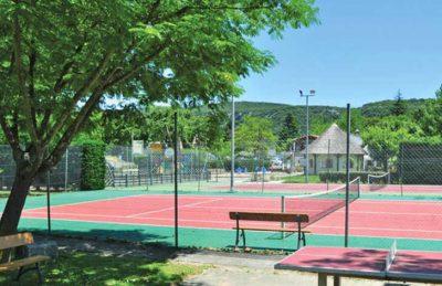 L'Ardechois Tennis Courts