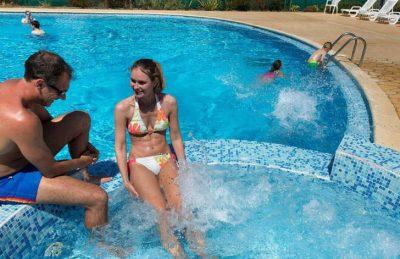 Le Bois Dormant Pool Jacuzzi