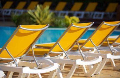 Le Bois Dormant Pool Loungers