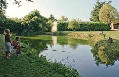 Le Chateau des Marais Fishing Lake
