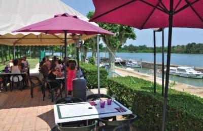 Le Domaine de L'Eperviere Restaurant Sun Terrace