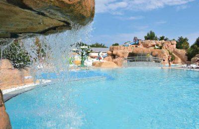Le Front de Mer Swimming Pool Complex