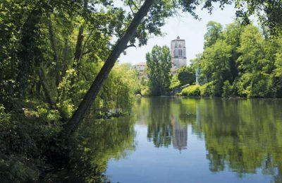 Le Pontet Campsite Riverbank
