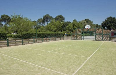 Le Soleil de Landes Sports Court