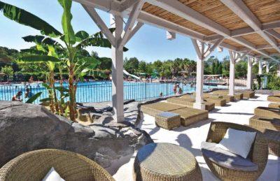 Le Soleil Pool Seating Area