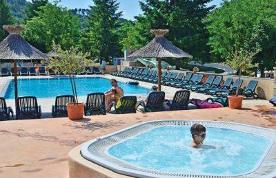 Les Ranchisses Pool Jacuzzi