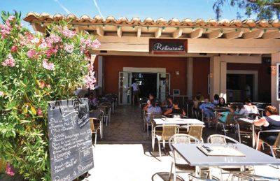 Les Tropiques Restaurant Outside