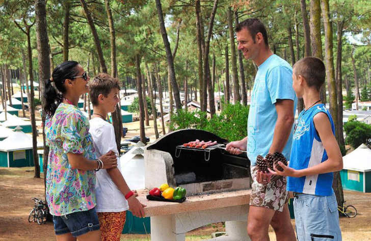 Campeole Plage Sud Barbeque