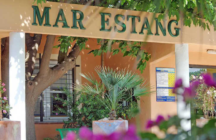 Camping Club Mar Estang Sign