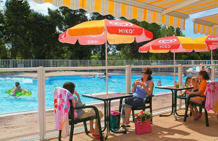 Camping de l'Etang de Fouche Pitch Only Poolside