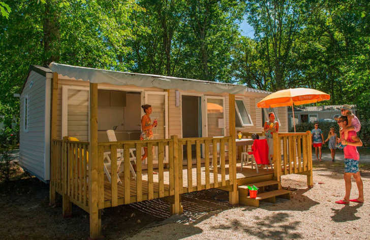 Camping Domaine d'Eurolac Accommodation Exterior