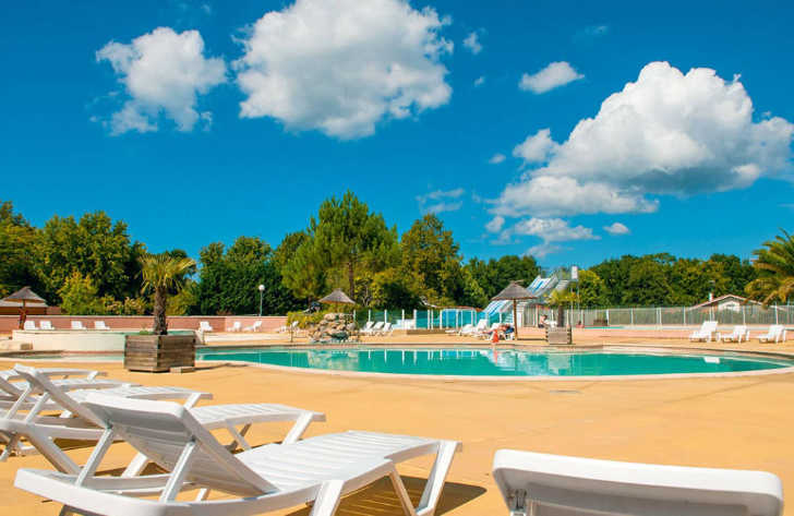 Camping Domaine d'Eurolac Pool Complex
