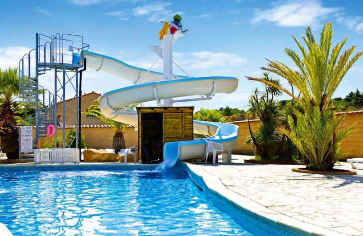Camping La Coste Rouge Pool Water Slide