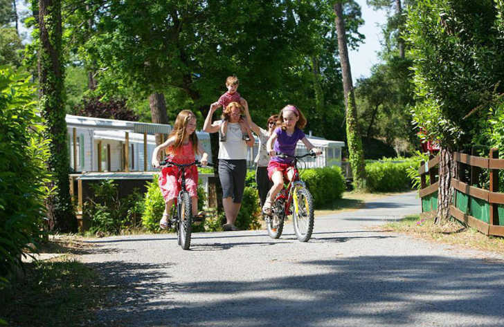 Camping la Pignade Family Cycling Site