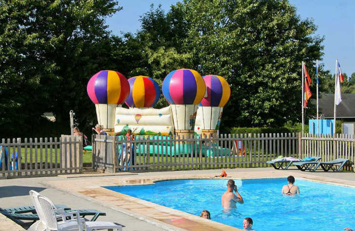 Camping L'Aiguille Creuse Swimming Pool Fun