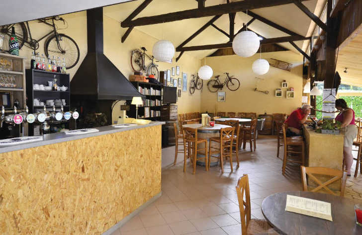 Camping le Capeyrou Bar