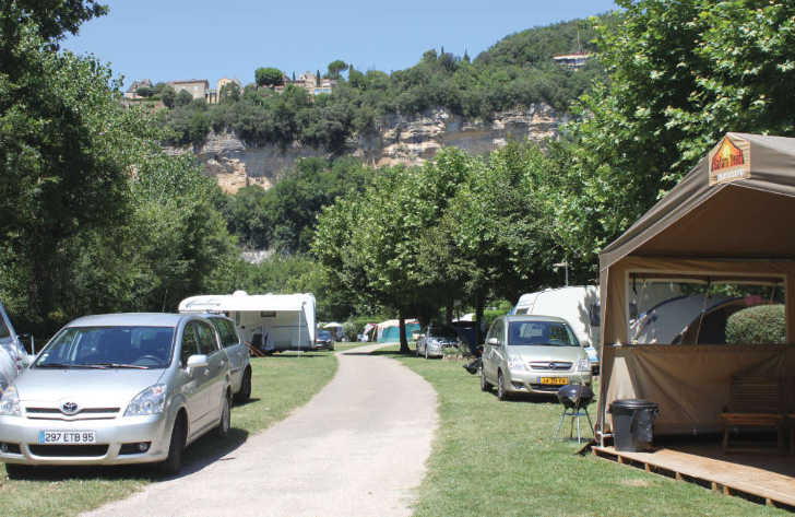 Camping le Capeyrou Pitch Area