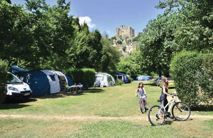Camping le Capeyrou Camping Pitches