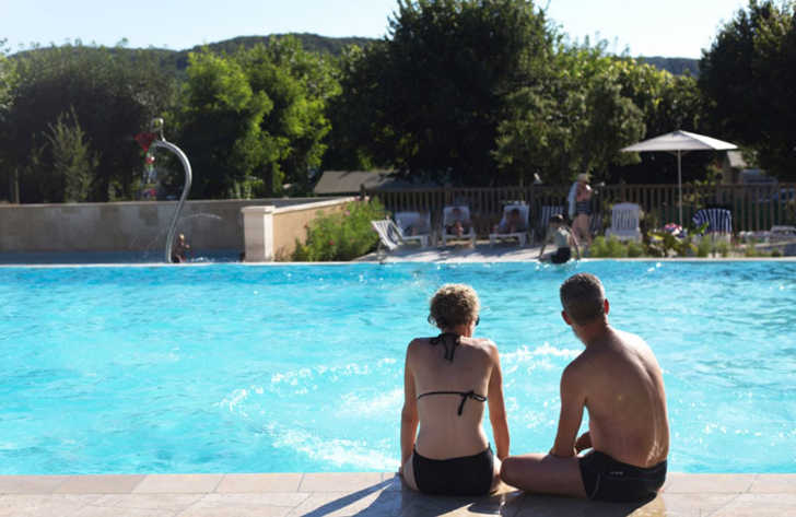 Camping le Capeyrou Pool Facilities
