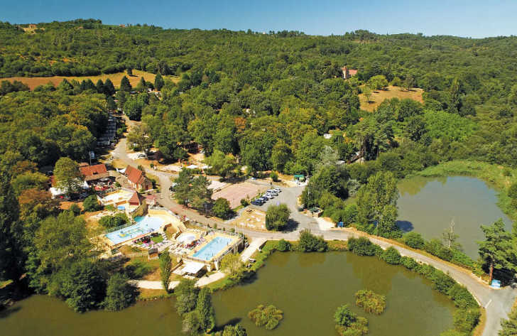 Camping Le Val d'Ussel Overview