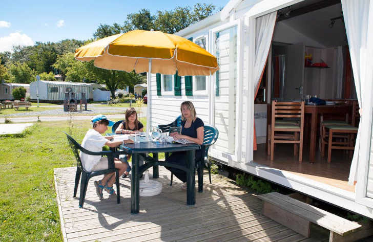 Camping les Catalpas Campsite Accommodation