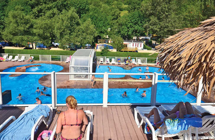 Camping les Fontaines Overlooking Swimming Pool