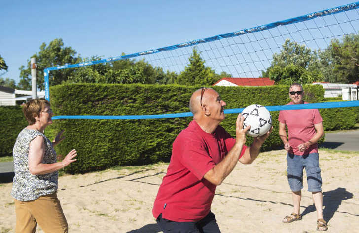 Camping Les Ilates Volleyball