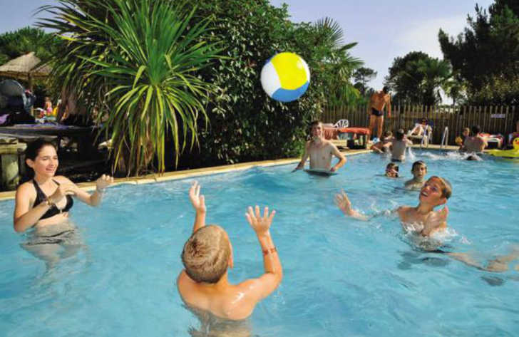 Camping les Vignes Pool Fun