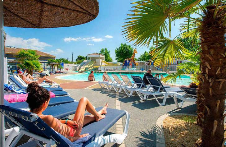 Camping Loyada Pool Loungers