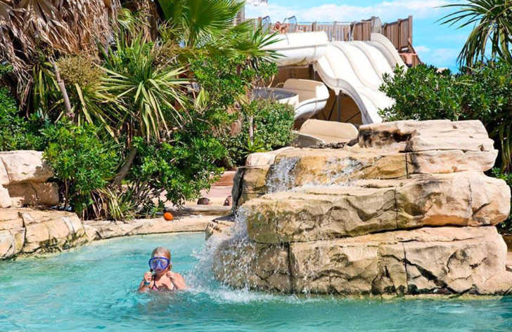Campsite le Petit Mousse Pool Rocks