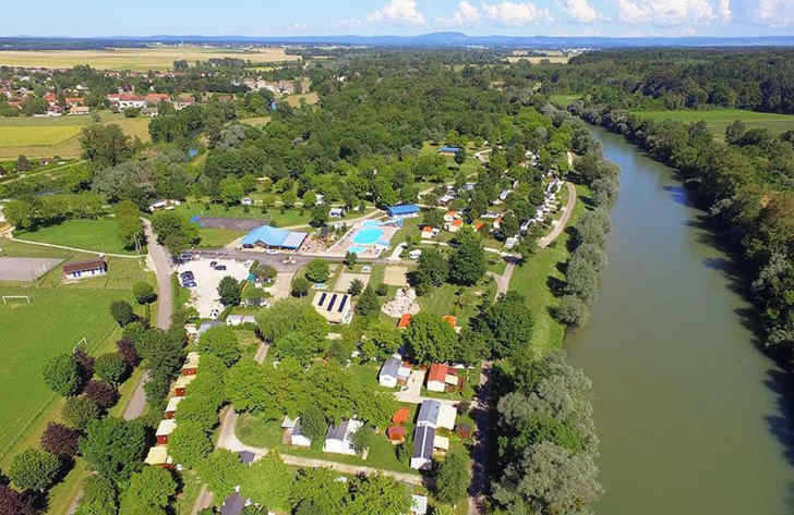Campsite les Bords de Loue Overview