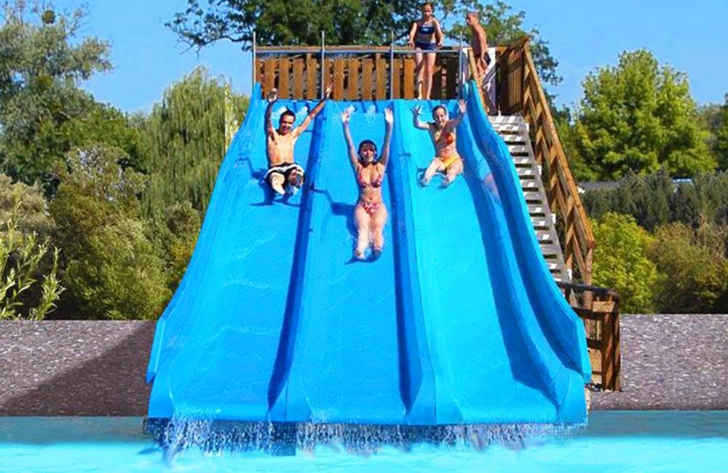 Campsite les Bords de Loue Slide