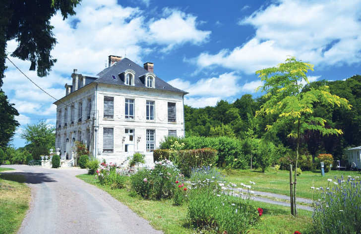 Chateau le Brevedent Setting