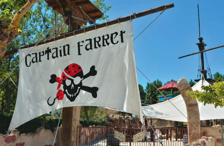 Club Farret Pirate Sign